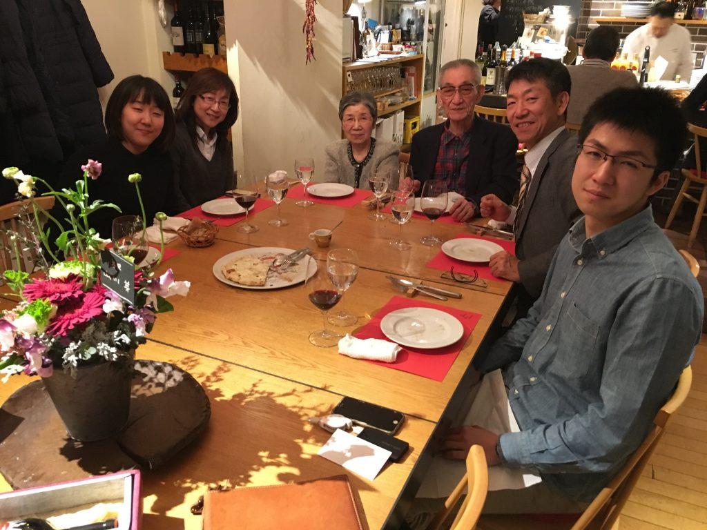 家族で時々お邪魔するヴィットーリオさんはとってもお美味しいイタリアンのお店。多分、平日の夜なら割と空いています。
