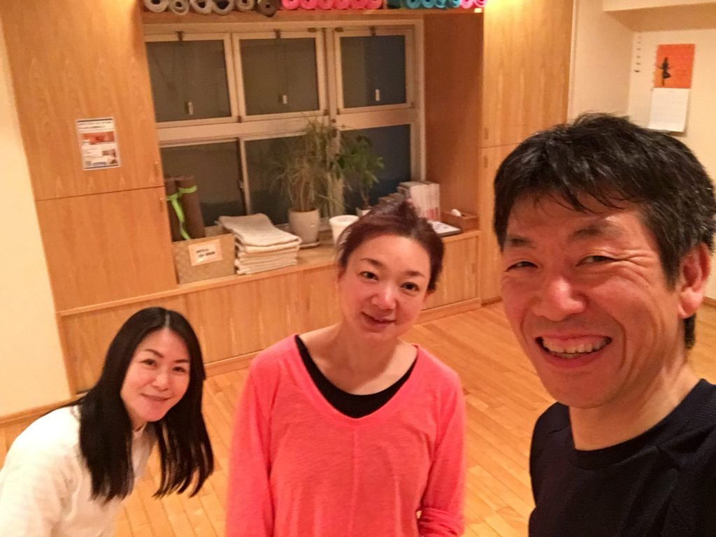 腰痛スッキリ。やって良かったレッスン後。須合先生、江口チーフと。