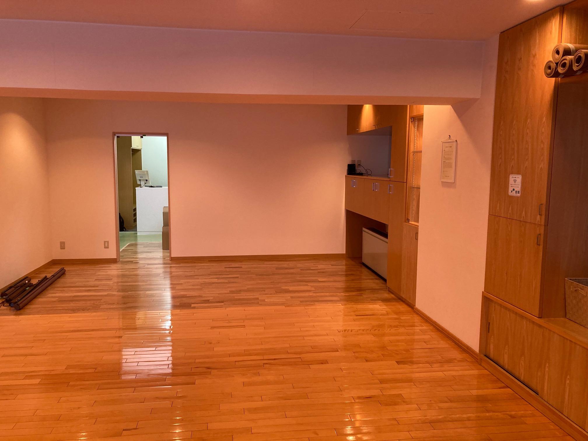 3階スタジオの広くなった部分。僕の技術とカメラ(iPhoneSE)ではなかなかお伝え出来ません